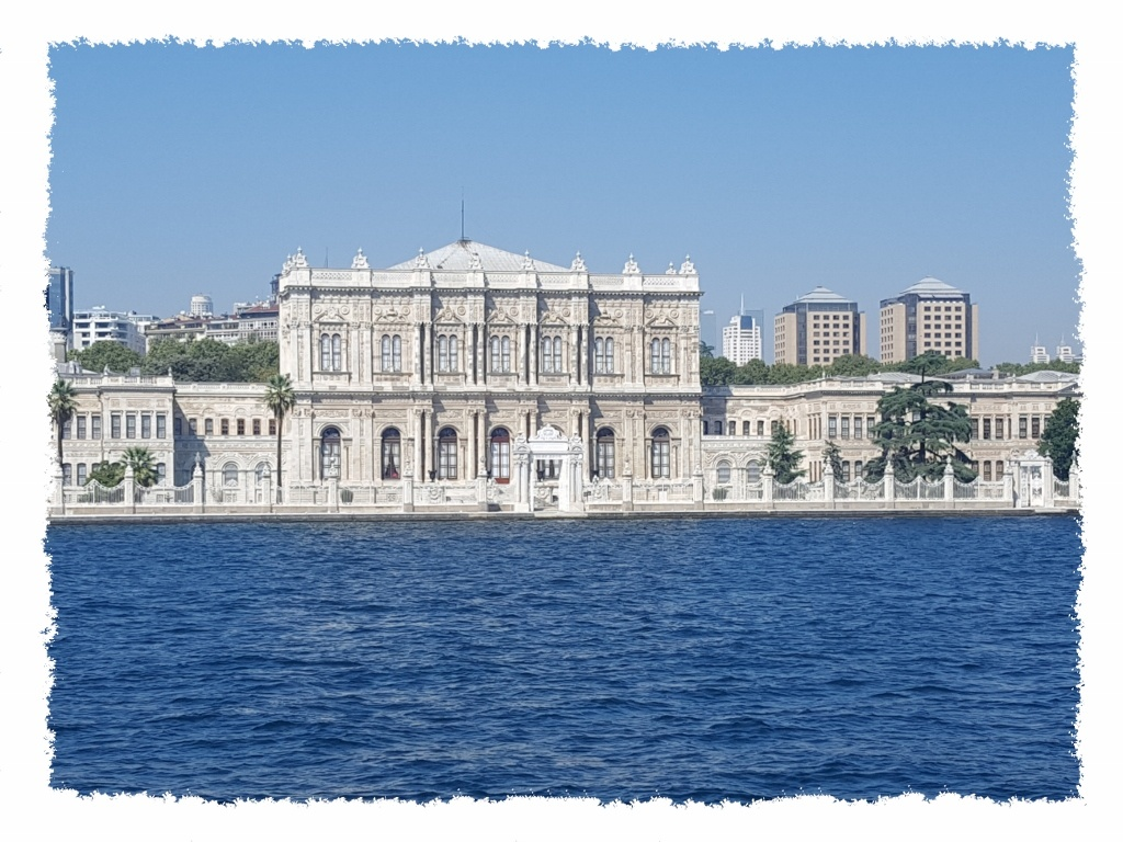 Gebäude Bosporus Kreuzfahrt in Istanbul, Türkei