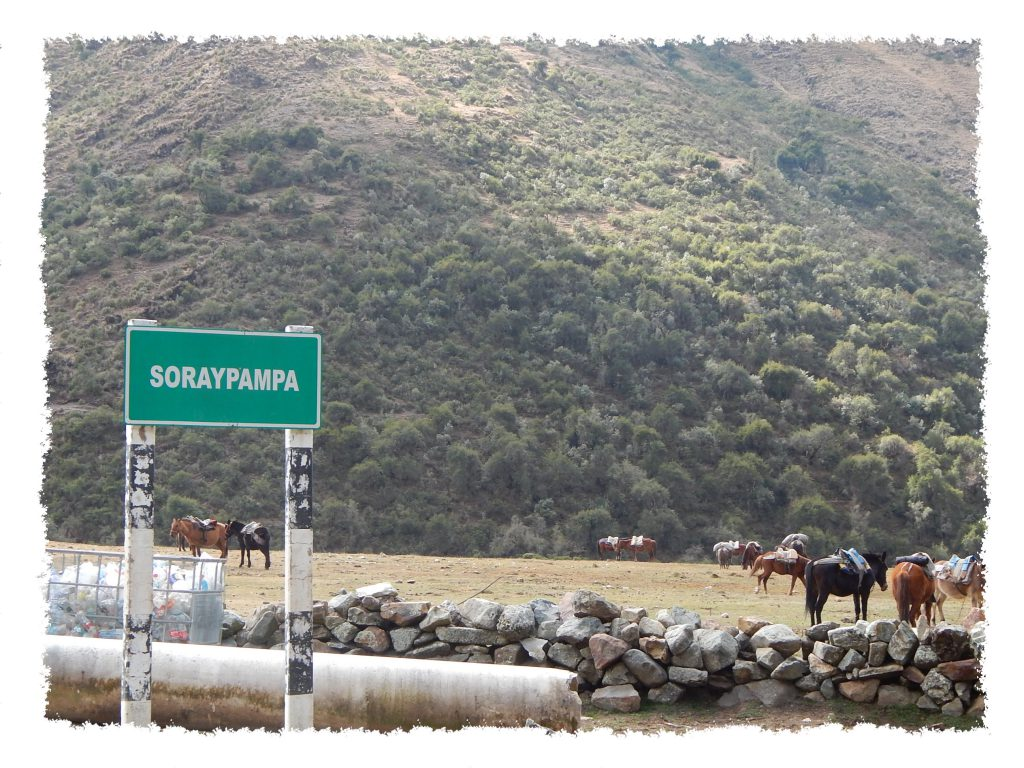 Laguna Humantay - Ortsschild Soraypampa
